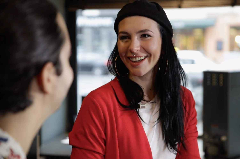 Nicole Battefeld beim Interview mit der Kaffeegang