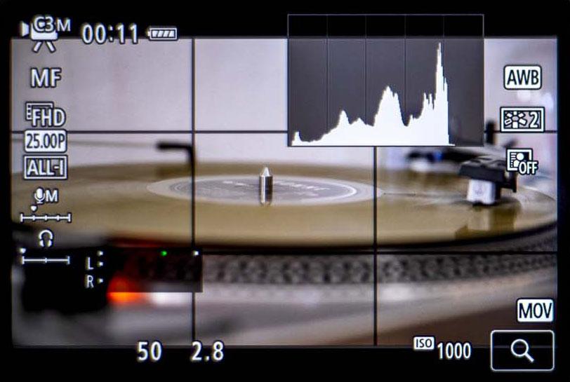 Das Histogramm wird auf dem Display der Kamera im Live View Modus angezeigt.